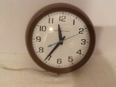 """MCM GE MODEL 2008A BUBBLE FACE General Electric WALL CLOCK 10.5"""" SCHOOL USA"""