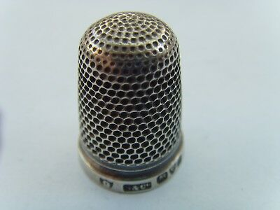 An Antique Edwardian Hallmarked Sterling Silver Thimble Chester Silver