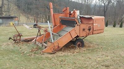 vintage Allis Chalmers Crop 60 combine for parts farm