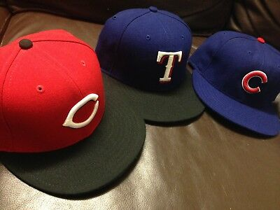 B16 Lot Of 3 Authentic New Era Fitted Hat Cap Reds Cubs Rangers made in US 7 1/8