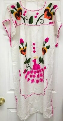 White & Multicolor Embroidered Peacock Bird & Flowers Mexico Sz Med/Large B78