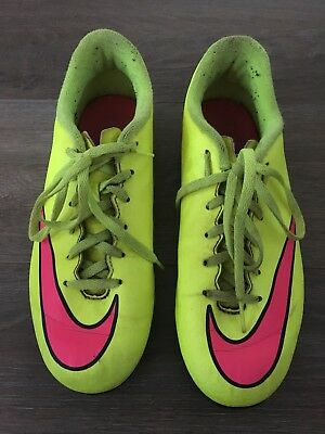 Boys / Girls Size 5 Fluro Yellow & Pink NIKE Footy Boots, Football *Great Con*