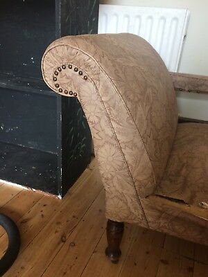 chaise longue For Restoration