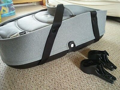 Bugaboo Bee carrycot with base and adaptors, grey melange, very good condition