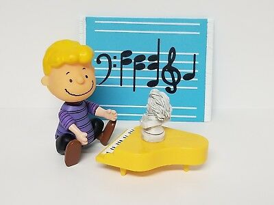 Schroeder Peanuts UFS 2002 Piano Statue Collectable Toy Figures Charlie Brown