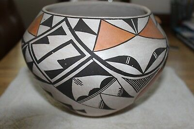Acoma Pottery signed by Jessie Garcia