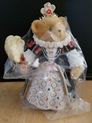 ULTRA RARE NEW Cherished Teddies - European Exclusive - Queen Elizabeth - 114128