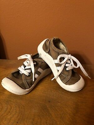 Toddler Boys Shoes Size 8 Wee Squeak