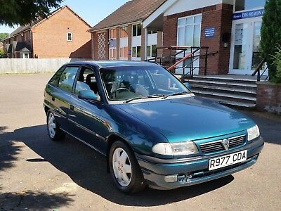 1997 Vauxhall 1.6 Astra With A Genuine 16,000! Very Rare Find ,superb Example
