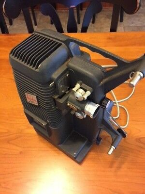 Mansfield Holiday M-1000 Vintage 8mm Movie Projector