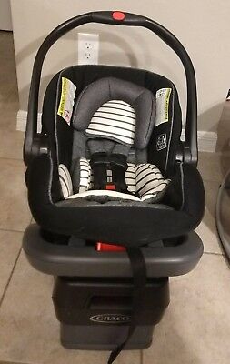 Graco SnugRide SnugLock 35 Infant Car Seat with Base, Good Condition, Holt Color