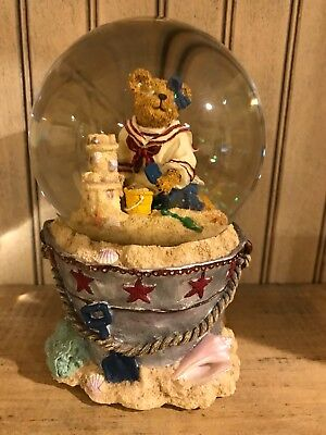 Boyds Bears Musical Water Globe Bethany Sanditoes...A Day At The Beach