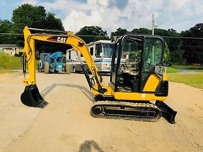 Cat 302.5 Rubber Track Mini Excavator Full Cab Backhoe Bob Cat Dozer