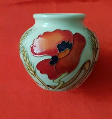 Moorcroft Harvest Poppy, 1St Quality Vase By The Reknowned Emma Bossons.