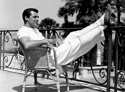Cary Grant Unsigned Photo - 8075 - Handsome!!!!!