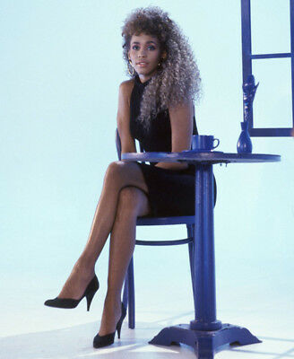 Whitney Houston UNSIGNED photograph -M2524- American singer & singer - NEW IMAGE