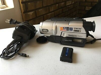 Sony HandyCam Video Camera Recorder CCD-TRV108 w/ battery charger WORKS
