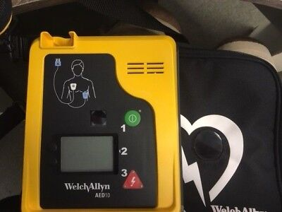 WelchAllyn AED10 with Case