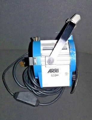 Arri 650 Plus 650W 115-240 VAC Fresnal Series Studio Spotlight Fixture w/ Mount