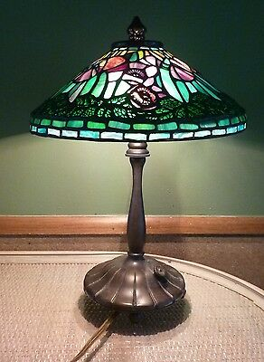 Beautiful vintage signed dale tiffany stained glass table lamp beautiful vintage signed dale tiffany stained glass table lamp aloadofball Image collections