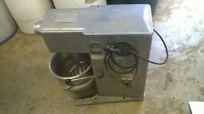 univex 20 quart mixer with attachments