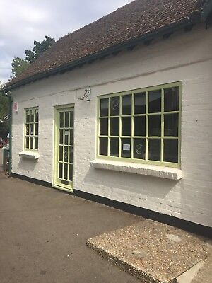 Shop Unit Lease For Sale In The Mall, Burley, New Forest