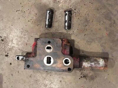 International tractor hydraulic valve 706,806,1206,756,856 open both sides