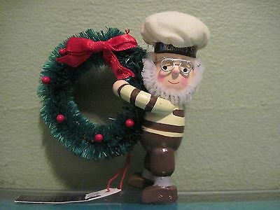 Kurt Adler Hershey's Collector Series ~ Elf with Large Wreath 1995 Ornament-NEW