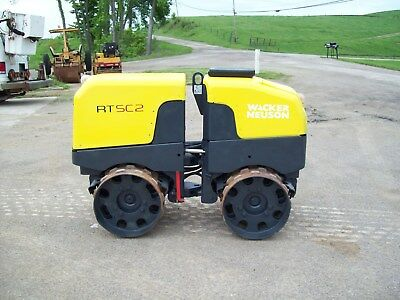 "2014 WACKER NEUSON RTxSC2 VIBRATORY REMOTE CONTROLLED TRENCH ROLLER ""570 HOURS"""