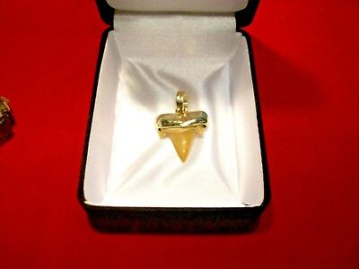 Solid real 10k Yellow Gold Eagle Pendant charm .70 inch long