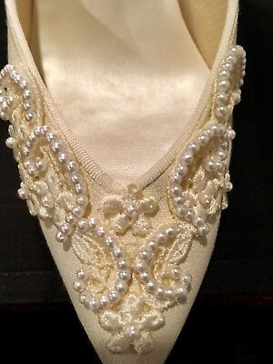 Vintage Pearl Embellished Bridal Shoes Ivory size 6.5