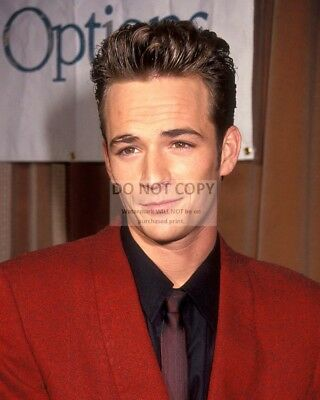 Actor Luke Perry - 8X10 Publicity Photo (Dd400)