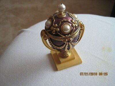 Joan Rivers Egg with Bee Pin