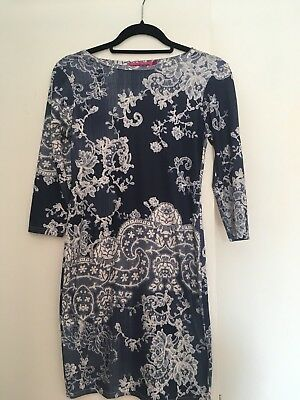 boohoo bodycon dress size 10.   I WILL BE ON HOLIDAY 14th June -29th