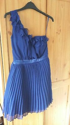 A size 12 blue dress from New Look and in great condition.