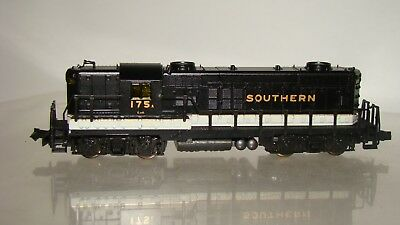 N Scale Life-Like Diesel Locomotive GP-18 Hi-Nose Southern #175 w/case/box runs!
