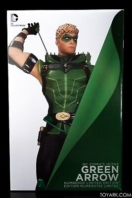 DC Collectibles DC Comics Icons: Green Arrow Statue new condition