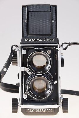 Mamiya C220 Professional  Complete Outfit