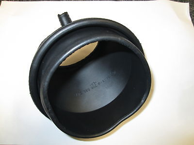 Genuine BMW E46 3 Series Fuel Filler Pot Rubber Surround 51718208646