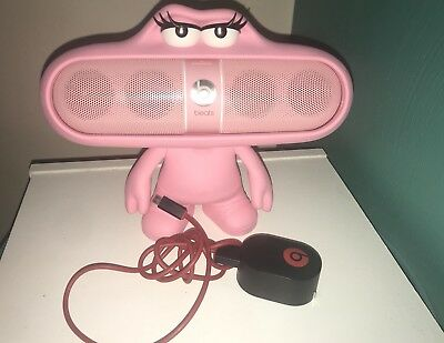 Beats Pill 2.0 Dude Pink Stand & Beats Pill Charger