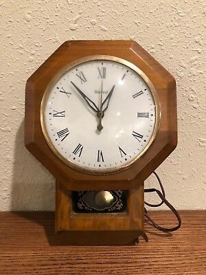 Vintage United Metal Goods Mfg Wall clock model 59 Made in USA