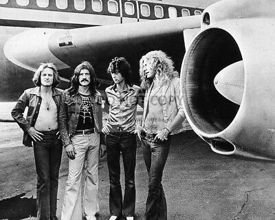 "Led Zeppelin In Front Of Their Private Jet ""the Starship"" - 8X10 Photo (Rt031)"