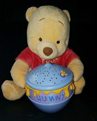 Cloud B Disney Baby Winnie the Pooh Dreamy Stars Soother Plush Nightlight