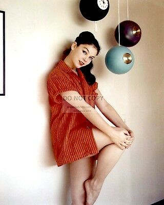 Actress Yvonne Craig Pin Up - 8X10 Publicity Photo (Bt205)