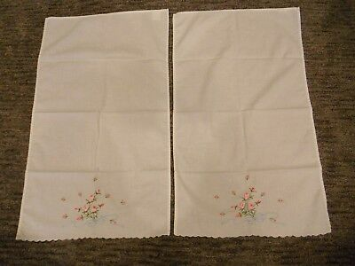 LOT Of 2 Vintage Embroidered Kitchen Dish Towels Floral