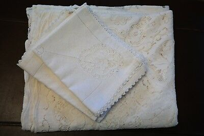 Quality Vintage Peggy Wilkins Oval Cream Lace Tablecloth and Matching Napkins
