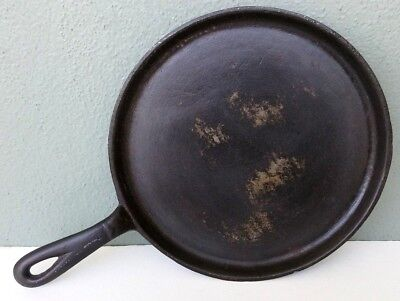 ANTIQUE CAST IRON SKILLET GRIDDLE #7 with HEAT RING - 9""