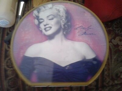 2005 Collectible NEW Marilyn Monroe Round Pink Metal Tin Lunch Box Never Used