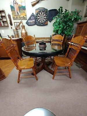 Antique Western Wooden Wagon Wheel Table And Chairs - Bar Saloon Man Cave cowboy