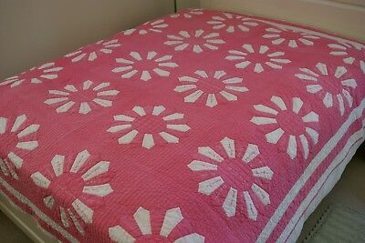 CHARMING VINTAGE ALL HANDMADE / HAND STITCHED PINK FLOWER QUILT w/NAMES  76X92